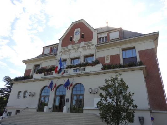 L'hôtel de Ville #SainteGenevièvedesBois #91 #91700  ~ Mairie De St Genevieve Des Bois