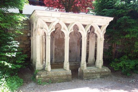 El ments d coratifs au jardin de l 39 arquebuse dijon 21 21000 - Petit jardin robertson dijon ...