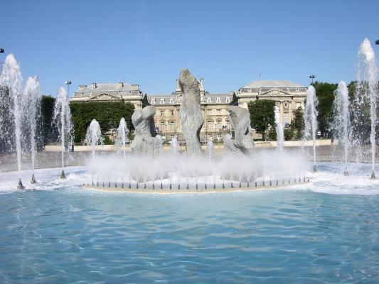 La fontaine de la place de la r publique lille est 59 for Salon de la gastronomie lille