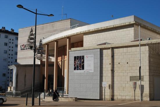 Palais des f tes p rigueux 24 24000 for Constructeur maison individuelle 24000